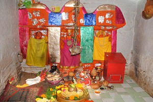 32-37 rinmukteshwar garbhgrah