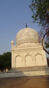 Tombs of Qutub Shah clan 3