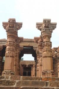 sidhnath templ pillars