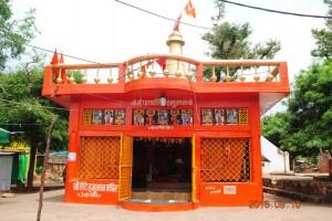 लेटे हुए हनुमान का मन्दिर